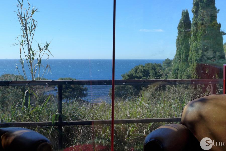 PIEDANLO - Carqueiranne - Maison contemporaine, vue mer, confort de grand standing, climatisation, lieu rare et magique à quelques pas de l´eau