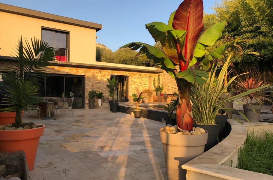 LE PATIO La Farlède Maison contemporaine, entièrement climatisée, 5 chambres, Patio avec piscine chauffée