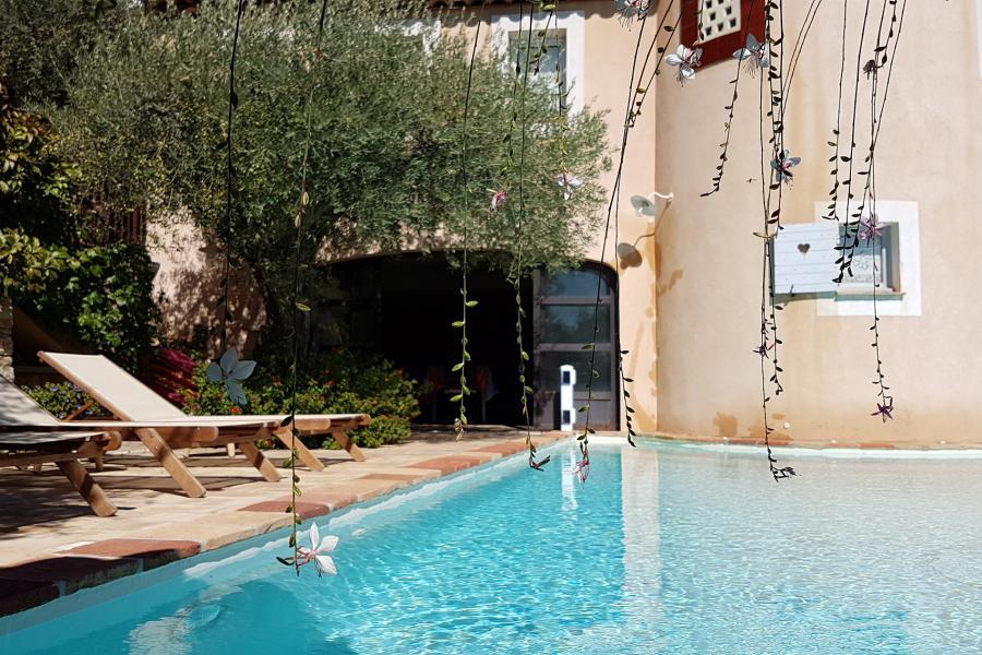 LES BLEUETS - LA FARLEDE - Un havre de paix en provence, piscine à débordement, panorama à 180 °, à quelques km de la mer