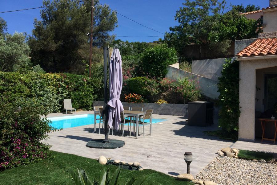 VILLA PLEIN SUD - Hyères - BELLE MAISON À HYERES, PISCINE, CLIMATISATION, jardin méditerranéen avec piscine