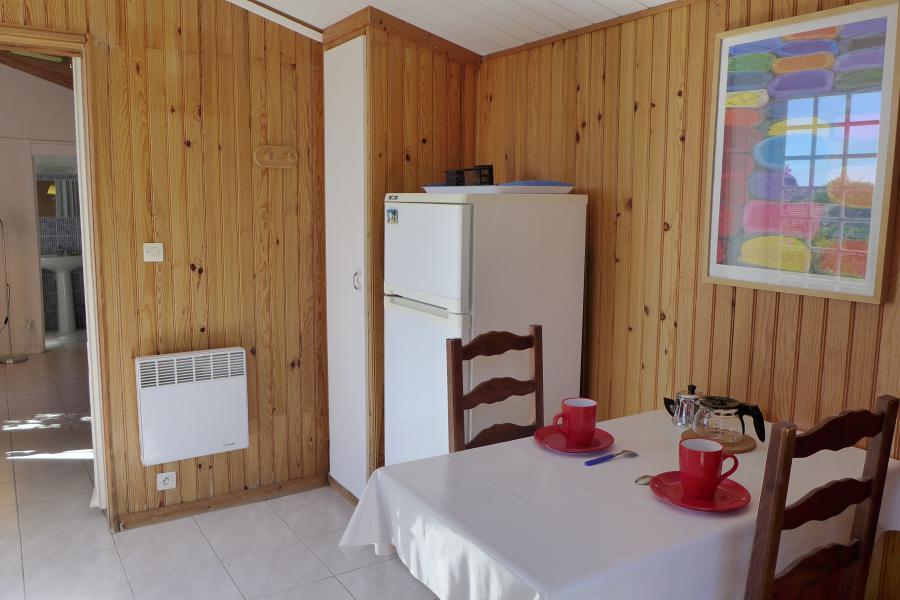 LA COCCINELLE - Carqueiranne - maison méditérranéenne, piscine, salon climatisé, studio indépendant, proche village de Carqueiranne et des plages