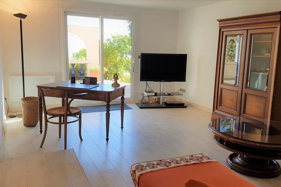LE MAS BLEU - CARQUEIRANNE - Superbe propriété, vue panomarique exceptionnelle sur les iles, jardin mediterrannéen, piscine