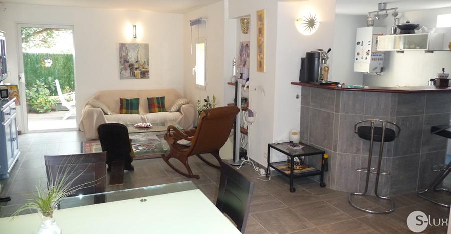 VILLA FLORE - Sanary - Jolie villa climatisée avec terrasse, proche de la plage et des commerces, idéale pour des vacances sans voiture